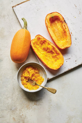 Winter Squash is a vibrant addition to your Immunity Garden as it helps support a nutrient-rich diet with high levels of Vitamin C, fiber and beta-carotene.