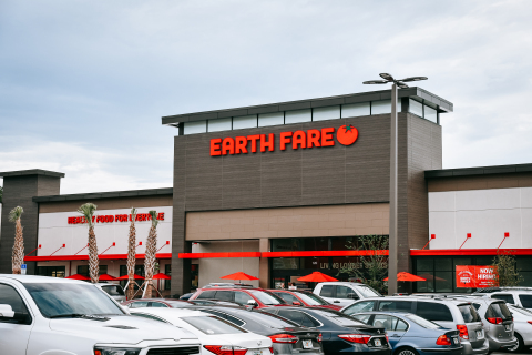 Earth Fare's new store at Shoppes of St. Johns Parkway will open in the second quarter of 2021 in Saint Johns, FL. (Photo: Business Wire)