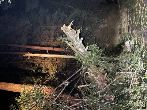 PG&E crews continue to make repairs and restore customers after this week's wind storm caused significant damage to the electric infrastructure in some locations. (Photo: Business Wire)
