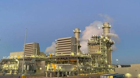 A estação de energia do condado de Montgomery entrou em operação comercial em 1º de janeiro, com duas turbinas a gás de classe avançada Mitsubishi Power G-Series de alta eficiência refrigeradas a ar, fornecendo 993 megawatts de eletricidade confiável e mais limpa para o sudeste do Texas. (Crédito: Entergy Texas, Inc.)