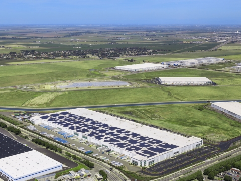 EnterSolar is a national provider of distributed generation solar to corporate & industrial customers. (Photo: Business Wire)