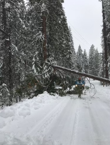 PG&E crews continue to make repairs and restore customers due to this week's winter storm which caused significant damage to the electric infrastructure in some locations. (Photo: Business Wire)