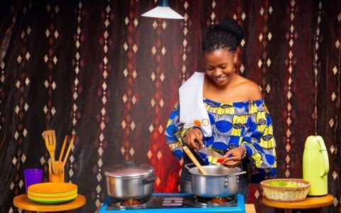 Bboxx LPG clean cooking customer (Photo: Bboxx)