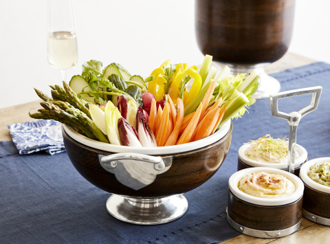 Large Serve Bowl from the new Marlo Thomas Collection for Williams Sonoma and Pottery Barn (Photo: Williams Sonoma)