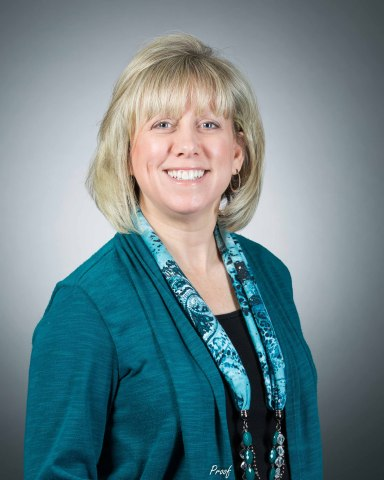 Leigh-Ann Humbert, PPG senior research manager, automotive OEM coatings, was recognized with the American Chemical Society (ACS) Pittsburgh Award for her achievements in the innovation and development of industry-leading coatings technologies. (Photo: Business Wire)