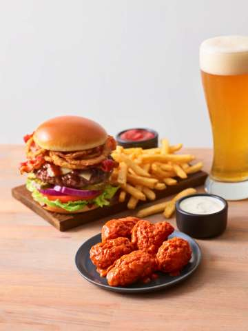 Applebee's Satisfies Cravings with NEW Boneless Wings and Handcrafted Burger Deal (Photo: Business Wire)
