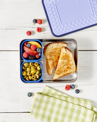 LunchBots targets those who want the convenience of healthy homemade meals, in perfect portions, neatly and attractively packed. (Photo: Business Wire)