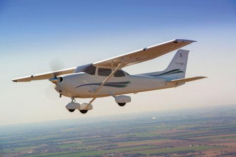 Cessna Skyhawk (Photo: Business Wire)