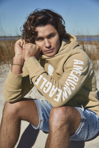 American Eagle Spring '21 Jeans Are Forever Campaign featuring Chase Stokes and Madison Bailey. (Photo: American Eagle)