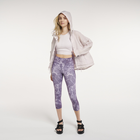 Kohl's new private label athleisure brand FLX, featuring womens and mens apparel, now available in select stores and on Kohls.com (Photo: Business Wire)