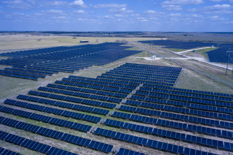 Adapture Renewables Completes 13 MW DC Solar Project in Runge, Texas