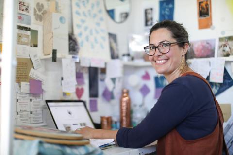 Mulher empreendedora  (Photo: Business Wire)