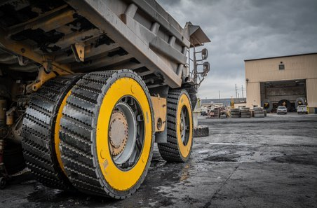 The patented Air Suspension Wheel is an airless wheel assembly replacing rubber tires. The ASW will not overheat, explode and is 100% recyclable. (Photo: Business Wire)