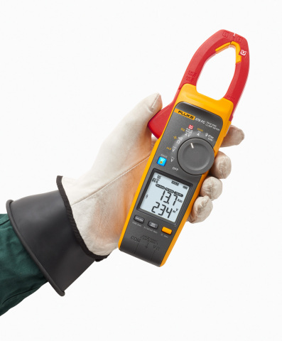 The Fluke 377 FC and 378 FC True-rms clamp meters use Field-Sense™ technology to make testing faster and safer, all without touching a live conductor. You get accurate voltage and current measurements through the clamp jaw. Simply clip the black test lead to any electrical ground, put the clamp jaw around the conductor and see reliable, accurate voltage and current values simultaneously on the dual display. (Photo: Business Wire)