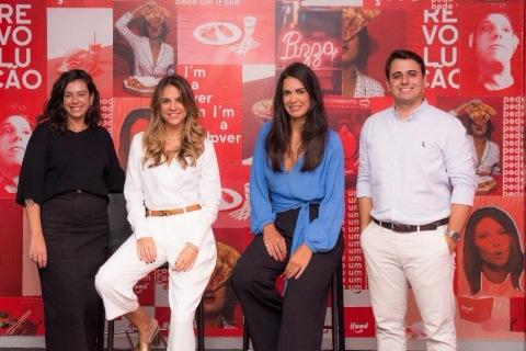 Roberta Castanheiro, coordenadora de negócios do iFood, Maria Costa, diretora da Givex Brasil, Paula Rabelo diretora do iFood Empresas e Iago Annes, gerente comercial da Givex Brasil (Photo: Business Wire)