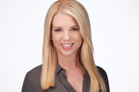 SOMA Global, the leading provider of cloud-native, Public Safety as a Service (PSAAS™), today announced Pam Bondi's appointment as the first member on their Board of Advisors. Bondi brings more than 30 years of experience as an American attorney, career prosecutor and the first female Florida Attorney General (2011 - 2019). (Photo: Business Wire)