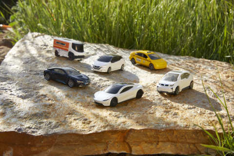 A new Matchbox EV-themed five-pack is now available with a paper foam inner tray. (Photo: Business Wire)