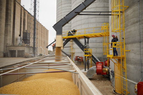 Since launching in 2017, Bushel's platform has grown rapidly, now powering nearly 2,000 grain facilities across the U.S. and Canada with real-time business information for their producers. Monthly, 60,000 producers utilize Bushel products and services. (Photo: Business Wire)