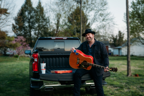 """""""I'm excited to team up with Casey's to bring one lucky fan and their local community a free concert,"""" said Lee Brice. """"Summer is the best time for family, friends, delicious pizza, cold drinks and most of all, live music. I cannot wait to bring a 'Parking Lot Party' to someone's hometown."""" (Photo: Business Wire)"""