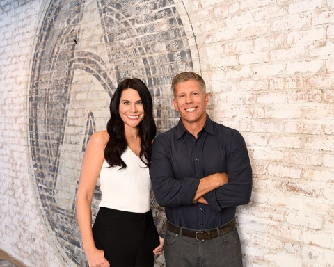 Bob Fontana, CEO of Aspen Dental Management and Melissa Rogne, Founder and President of Rejuv Medical Aesthetic Clinic announced the launch of Chapter Aesthetic Studio, a new national brand of state-of-the-art, medical aesthetic clinics this fall. (Photo: Business Wire)