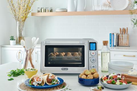 De'Longhi 24L Livenza Air Fry Oven (Photo: Business Wire)