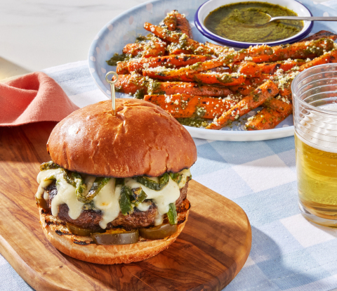 Blue Apron Craft Burger is a restaurant-quality burger with elevated ingredients, including a six ounce USDA Certified Prime Ground Beef patty and a specialty bun, served with a side to perfectly complement the flavors. (Photo: Business Wire)