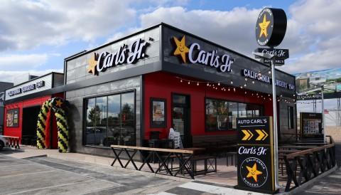 CKE Restaurants的第1,000家国际餐厅开业。(照片:美国商业资讯)