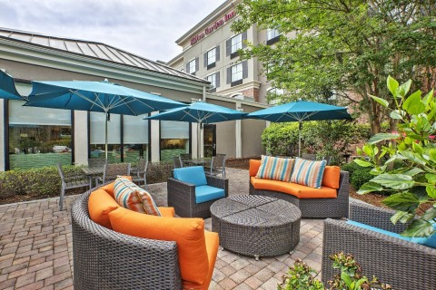 Be at ease in the hotel's expansive outdoor areas. (Photo: Business Wire)