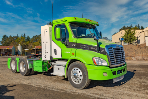 NW Natural truck loan program and Hyliion teamed up to make this Compressed Natural Gas (CNG)-electric hybrid Cascadia day cab tractor available to fleet operators seeking low-emission, cost-saving alternatives to diesel. (Photo: Business Wire)