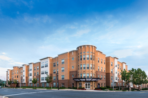 Mosaic at Largo Station, a four-story, 242-unit, mid-rise multifamily community located in Largo, MD in the Washington, D.C. metro area (Photo: Business Wire)
