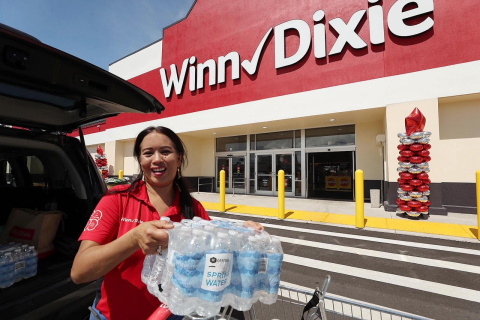 Southeastern Grocers, Inc. (SEG), parent company and home of Fresco y Más, Harveys Supermarket and Winn-Dixie grocery stores, is encouraging its customers to begin preparations now for hurricane season. (Photo: Business Wire)
