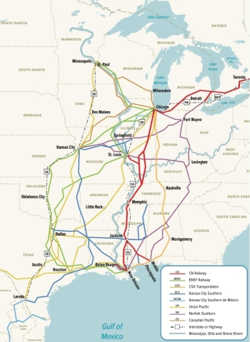 The CN-KCS combination will create an end-to-end merger with significant options for customers in the North-South corridor. With CN's commitment to divest KCS' 70-mile line between New Orleans and Baton Rouge, the proposed combination creates an end-to-end merger and provides no risk to competition. In fact, customers will now be able to access new markets that were not previously available to them via efficient single-line service. Customers will continue to have multiple options to move goods along this corridor, including the availability to use an improved new CN-KCS route, five other Class I railroad routings, the Mississippi River and two major interstate highways. Customers will not lose any existing routing options because CN and KCS are committed to preserving access to all existing gateways to enhance route choices and to ensure robust price competition. (Graphic: Business Wire)
