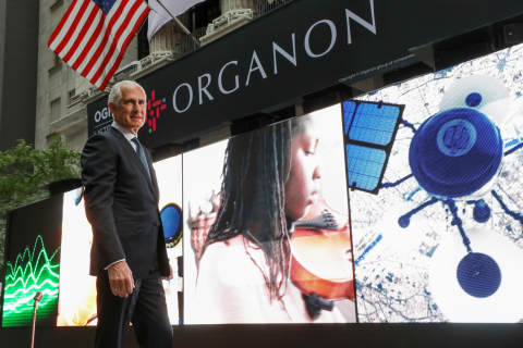 """Organon's CEO Kevin Ali in front of """"Wall of Voices"""" highlighting women's voices from around the world. (Photo: Business Wire)"""