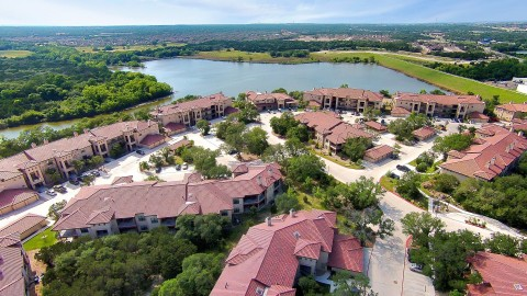 Muir Lake Apartments, a 332-unit garden-style multifamily community located in Cedar Park, TX, a submarket located northwest of Austin. (Photo: Business Wire)