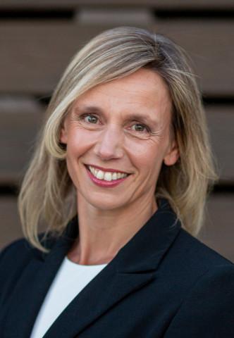 Claire Bramley, Teradata CFO (Photo: Business Wire)