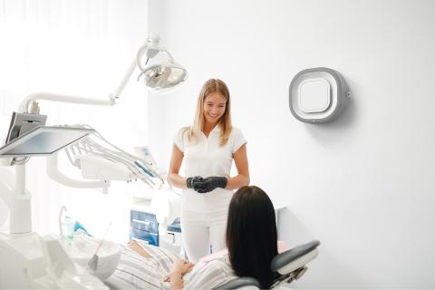 Aura Air im Einsatz in einer Arztpraxis (Photo: Business Wire)
