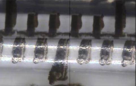 Jelco® Hypodermic Needle-Pro®固定针头胰岛素注射器针筒上的倾斜刻度标记。(照片:美国商业资讯)