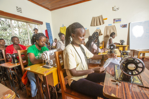 During a training course provided by RefuSHE to refugee girls (Photo: AETOSWire)