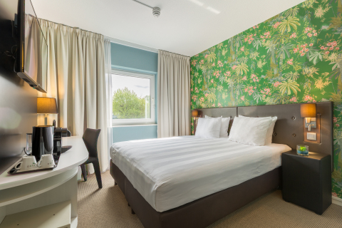 Thon Hotel Brussels Airport with newly refurbished guest rooms (Photo: Business Wire)