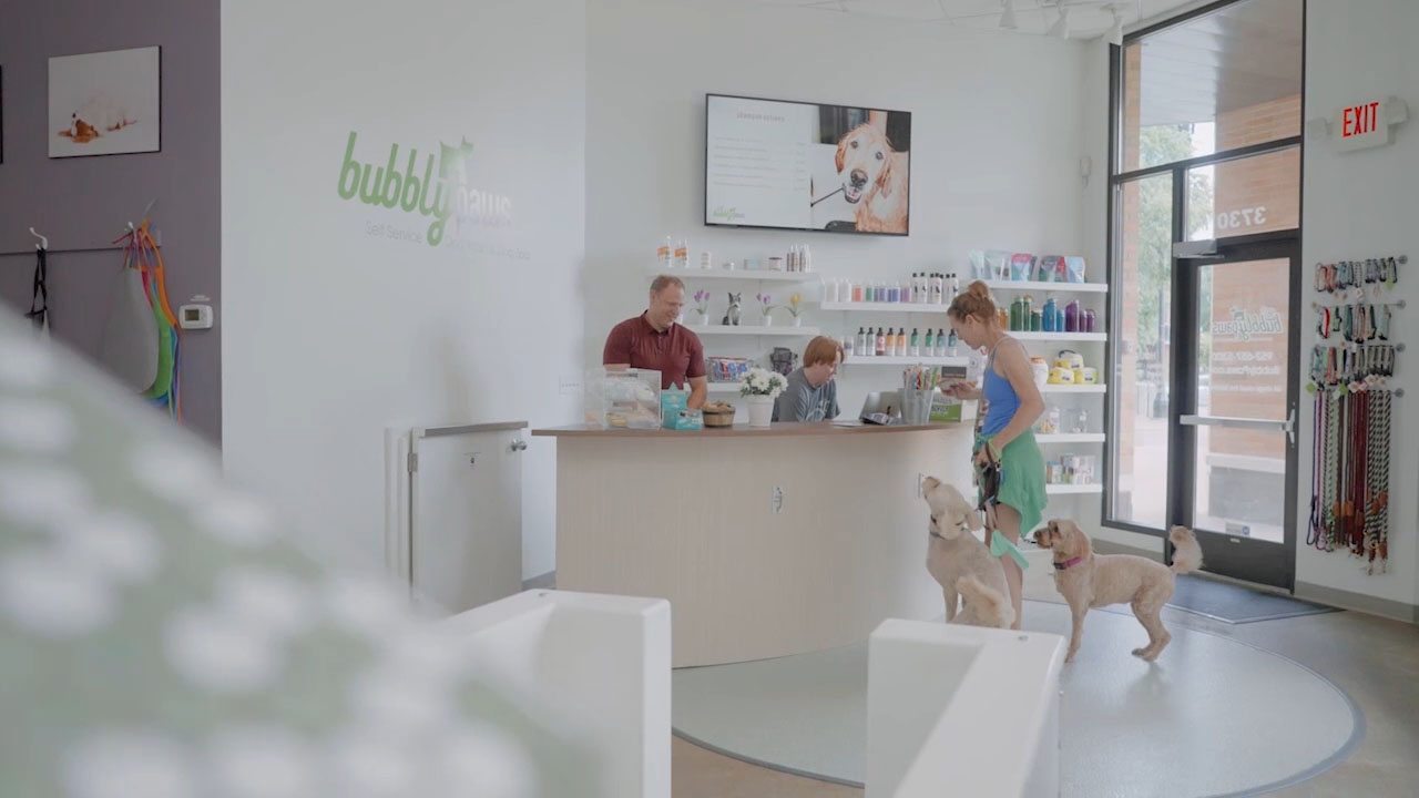Bubbly Paws is the premier dog wash and grooming salon. We have everything customers need to spoil their dog and professional dog groomers on hand to make dogs look amazing! Bubbly Paws is now offering dog wash franchises nationwide!