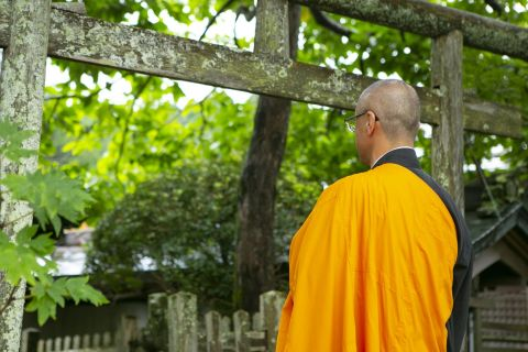 A priest at Mount Koya (C) JNTO
