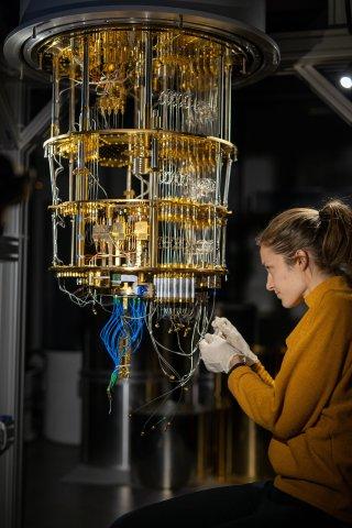 IQM Micro Mechanics Engineer, Isabelle Faggianelli (Photo: IQM)