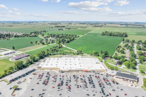 Walmart-anchored Shopping Center | Valley View Plaza | Marion, IN (Photo: Business Wire)