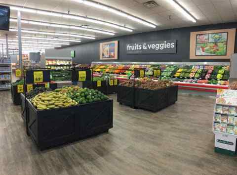 Save A Lot's newly remodeled store (Photo: Business Wire)