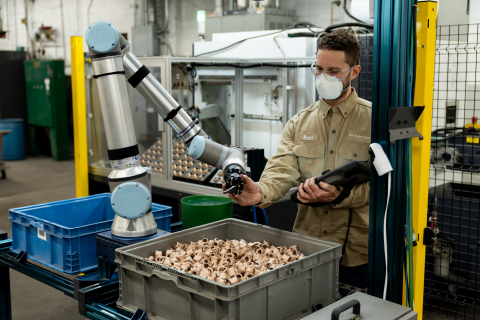 ActiNav is an Application Kit for flexible machine tending powered by a UR10e collaborative robot from Universal Robots. Combining intelligent vision and sensor software with autonomous motion control, ActiNav is able to pick up jumbled parts in bins and accurately insert them into machines for further processing. (Photo: Business Wire)