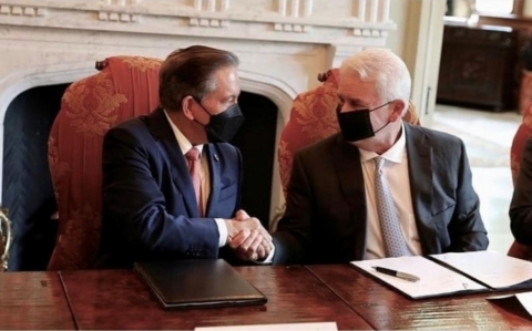 Panama President Laurentino Cortizo Cohen and Energy Transfer Executive Chairman Kelcy Warren (Photo: Business Wire)