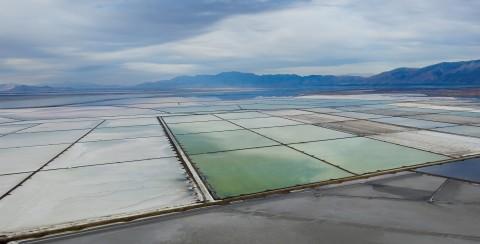 Compass Minerals' solar evaporation ponds on the Great Salt Lake near Ogden, Utah (Photo: Business Wire)