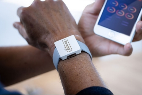 Rockley's smartphone app and cloud analytics Used to convey health insights (Photo: Business Wire)