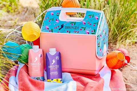 Igloo designed the new Barefoot Wine Playmate Pal coolers with fun, vibrant artwork on the cooler's tent-top lid showcasing Barefoot Wine's Rosé Wine-To-Go and Moscato Wine-To-Go blends. (Photo: Business Wire)