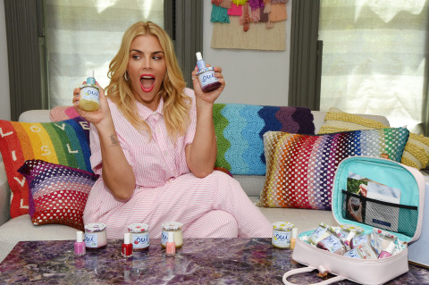 Oui by Yoplait Teams up with essie to Encourage People to Prioritize Self Care with Introduction of OuiFresh Kits (Photo: Business Wire)